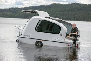 Den som gillar både husvagn och båt bör kika närmare på Sealander.
