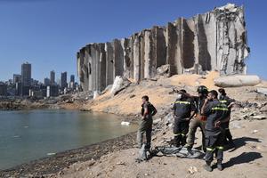 Förödelsen i Beiruts hamn hade kunnat undvikas med ett ansvarsfullt politiskt system. Foto: AP Photo/Thibault Camus.
