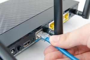 Se till att routern är rätt placerad och att anslutningen är korrekt – annars riskerar du att inte kunna utnyttja hastigheten du köpt. Bild: Shutterstock
