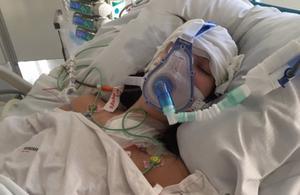 My Eriksson blev kvar på sjukhuset från april till oktober 2017. Hon drabbades av gallvätska i lungsäckarna när  tumören och matstrupen togs bort och fick bestående men som nu påverkar hennes vardag. Foto: Privat
