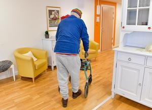 Det måste öppnas upp för de privata aktörerna att bygga äldreboenden, annars kommer kommunerna aldrig kunna svara upp mot behovet. Bild: Jonas Ekströmer/TT