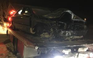 De två som färdades i bilen klarade sig utan allvarliga skador.