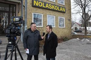 ÖA:s reporter Hasse Tavér intervjuar kommundirektör Magnus Haglund i direktsändning tidigare i veckan.