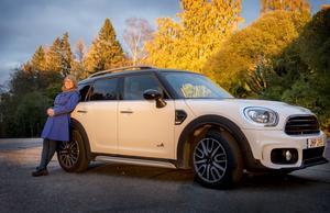 Anna Felländer har inget stort bilintresse – men hon gillar sin bil.
