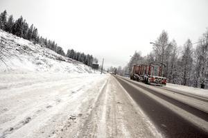 Strax efter korsningen mellan Timmervägen och E14.