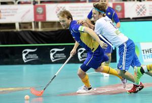 Johan Samuelsson i den svenska landslagströjan. Foto: TT