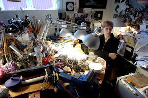 Karin Ferner i sitt arbetsrum 2004.