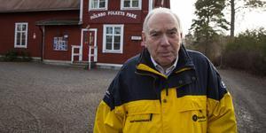 """""""Jag hoppas verkligen att folk kommer på söndag"""", säger Bosse Folcker. Folkets hus klockan 13 är det som gäller för det möte som han har kallat Mölnboborna till."""