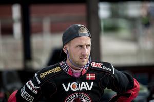 Anders Thomsen skulle ha tränat i Kumla på måndagen, men tog i stället en fisketur hemma i Danmark när banan på Glottra Skog arena stängdes för banpreparering. Arkivfoto