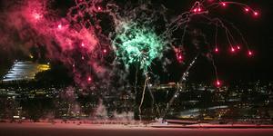 Fjolårets firande var en mäktig syn med de färgsprakande fyrverkerierna mot fonden av slalombacken och sluttningarna runt omkring.