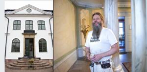 Kaj Halminen är målaren som gjort att entréhallen återfått sin forna marmorglans.