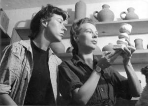 Gocken och Lisbet Jobs 1944. Systrarna arbetade sida vid sida hela livet. Och Jobstryck blev senare ett riktigt familjeföretag.