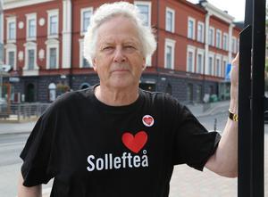 Nils-Gunnar Molin är utifrån sjukhusfrågan i Sollefteå orolig för demokratin på alla nivåer.
