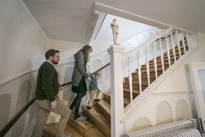 """""""Vi vill inte förstöra huset själ med att modernisera för mycket"""", säger Åsa Othfors."""