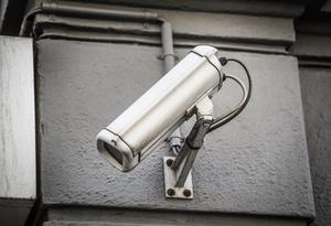 Det är inte tillåtet att använda övervakningskamera för att filma sina grannar. Foto: Tomas Oneborg/TT