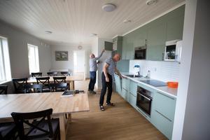 I det nybyggda servicehuset finns ett stort kök.
