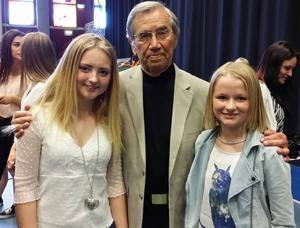 Emilia Wedmark och Ella Boäng fick äran att träffa Emerich Roth. Han har en gripande livshistoria och är fondens grundare.