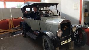 I Arvesunds museum finns denna gamla Ford att beskåda. Foto: Åke Nilsson
