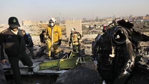Bara några minuter efter att det ukrainska planet lyft från Teheran fattade det eld och kraschade. 167 passagerare och nio besättningsmän omkom.