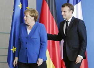 Med Angela Merkel på sluttampen av sin politiska gärning ska titeln Frau Europa i stället bli Monsieur Europe och tillfalla honom själv, hoppas president Emmanuel Macron.