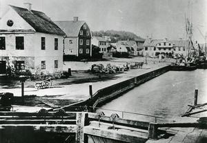 Mälarhamnen i Södertälje på 1880-talet – Här lade kanalbåtarna till. Foto: Torekällbergets museum
