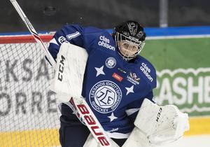Julia Nilsson debuterade i SDHL när Leksand besegrade SDE och gick upp på samma poäng som serieledande Modo. Foto: Daniel Eriksson/Bildbyrån