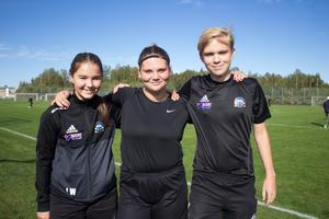 Lisa Vikgren, Emilia Andersson och Anton Köijer spelar alla för 9A på Norrsätraskolan.