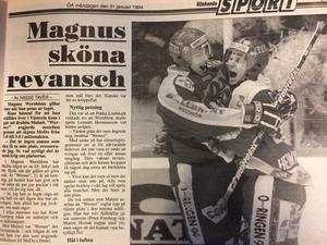 Peter Forsberg och Magnus Wernblom omfamnar varandra efter 7-3 segern mot Malmö i Kempehallen.