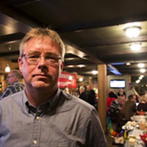 Mikael Löthstam (S) fick på valvakan inse att socialdemokratin nu är försvagad till historiska nivåer i Hudiksvalls kommunpolitik.