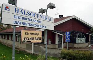 Distriktssköterskemottagningen i den nu övergivna hälsocentralen i Rätan är stängd.