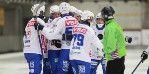 Vänersborg gick jubla hela elva gånger på Sjöaremossen.