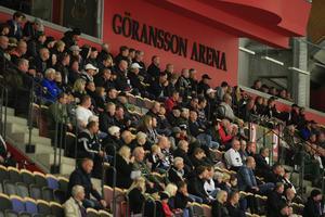 Antalet besökare i arenan ökar och även den ekonomiska omsättningen, men arenan fortsätter att gå flera miljoner back.
