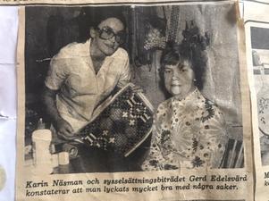 Här är en bild på Gerd Edelsvärd och Karin Näsman under jobbet i terapin på Moacka i slutet av 70-talet.