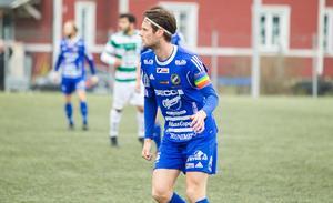 Fagersta Södras lagkapten Joakim Larsson har trotts sina spetsegenskaper blivit kvar i moderklubben hela karriären. Nu drömmer han om att ta upp klubben i tvåan.