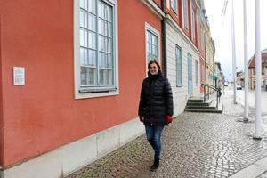 År 2001 flyttade Caroline Dieker till Öhna gård från Malmö. En dag när hon gick över torget i Askersund kände hon att hon hade kommit hem.
