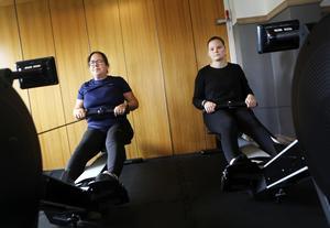Anna-Lena Thorén från Växsjö har provat massor av dieter för att gå ner i vikt utan att lyckas. Nu hoppas hon på den livsstilsförändring som krävs för att kunna njuta av tillvaron igen. Även Cornelia Gustafsson från Småland har tagit chansen att komma till rätta med såväl kost som motion.