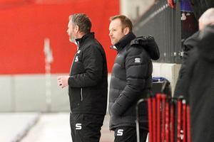 Magnus Muhrén fick se sitt SAIK vinna med 5–2 mot Hammarby i den första semifinalen – inför storpublik. Över 3000 hade tagit sig till Göransson Arena på onsdagen.