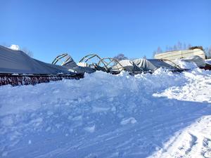 Ishallen i Gällsta rasade under in under natten mot söndag.