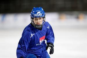 Linnéa Larsson är en av landslagsspelarna som återvände till AIK när elitserieplatsen säkrades i somras.
