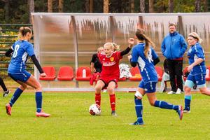 Sveg hade mycket boll i andra halvlek mot IFK Strömsund men gästerna var välorganiserade och fanns i vägen överallt.