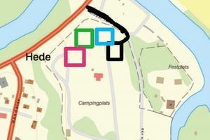 Svart markerar vägen in, samma som ner till campingen, samt en ny parkeringsyta. Blå är lekpark, grön är gymmet och rosa är den hundrastgården. Allt ska stå klart till den 24 juli.