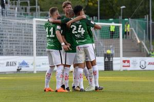 J-Södra kommer jubla nästa säsong i Superettan också. Kvällens resultat innebär att laget med största säkerhet spelar i Superettan även nästa säsong. Här en bild från årets hemmamatch mot Degerfors.