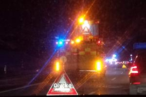 E16 stängdes av under räddningsarbetet.