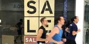 Utförsäljning? Nja, gallerians butiker hade stängt innan tävlingen startade.
