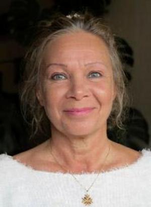 Textförfattaren Heidi Jergovsky bodde i Granlo från 1958 när hon var ett år, till 1972 när jag var 16 år. Numera bor hon i Sollentuna och har bland annat skrivit barnböcker.
