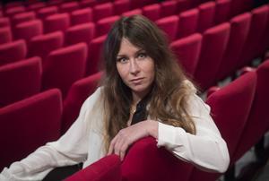 Anna Odell, aktuell med långfilmen X&Y, fotad på Maximteatern. Foto: Fredrik Sandberg / TT