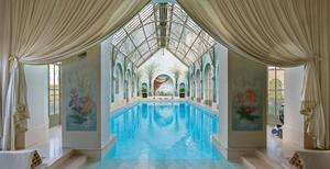 Spa med 25 meters pool som håller 28 grader. Foto: Privat