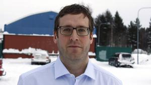 Jan Eriksson menar att förslaget förmodligen måste kompletteras innan det går att fatta beslut.