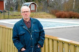- Jag tycker att kommunen åtminstone borde ge djur som fallit i bassängen en möjlighet att själva ta sig upp ur vattnet, till exempel med en ramp, säger Ebbe Könberg.