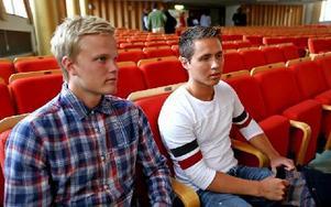 Fredrik Pedersen och Jesper Andersson tyckte framför allt att informationen om sms-lån var extra intressant och lärorik. Foto: Johnny Fredborg